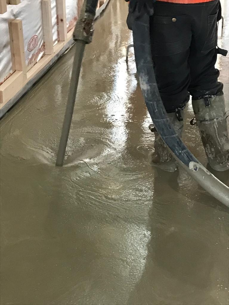 liquid floor screed